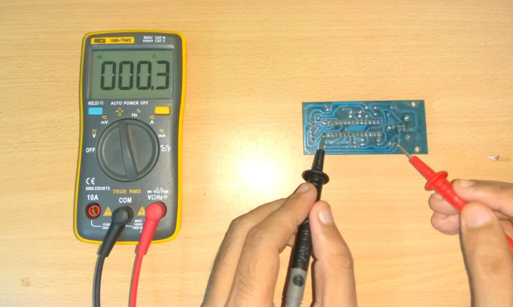 Continuity test using multimeter